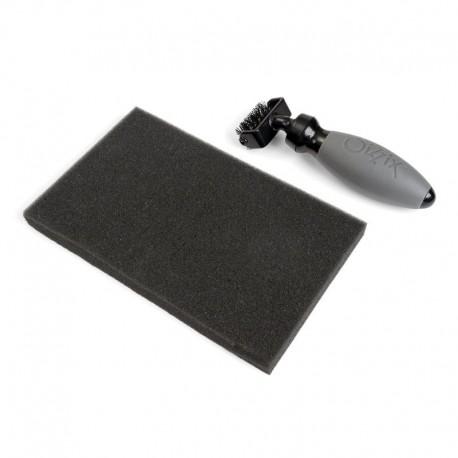 Die Brush & Foam Pad  - Spazzolina + Tappetino - Accessori Sizzix Big Shot 660513